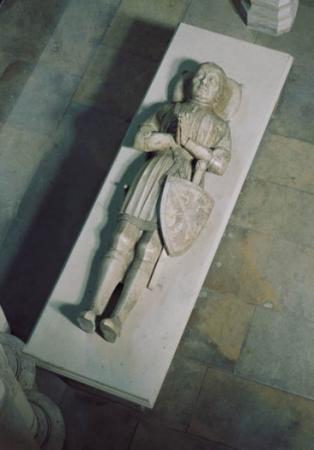 Le gisant de Du Guesclin.