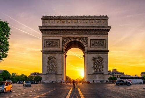 26 fevrier,arc de triomphe,cugnot,grande armee,napoleon,chalgrin,louis philippe,becquerel,pierre et marie curie,fardier