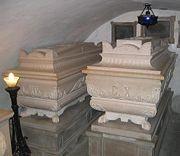 180px-Bourbonska_grobnica_NG6.jpg
