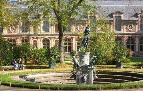 Le caf philo de droite for Jardin anglais chateau fontainebleau