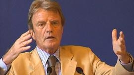 bernard-kouchner-2600607_224.jpg