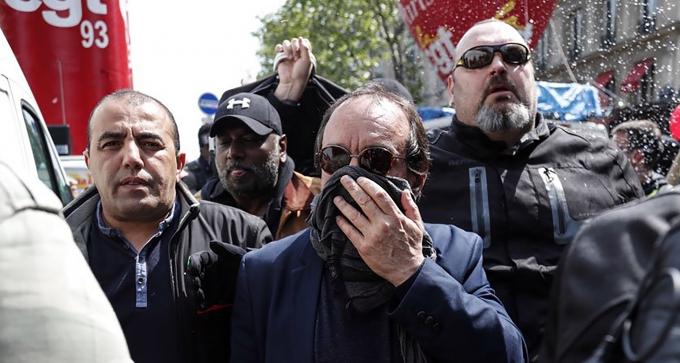 661_magic-article-actu_39a_8c5_68143366ec1c8548ae836b2cfd_1er-mai-philippe-martinez-exfiltre-de-la-manifestation-parisienne-il-accuse-la-police-d-avoir-charge-la-cgt_39a8c5681.jpg