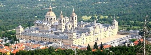 10 aout,francois premier,villers cotterets,tuileries,gardes suisses,danton,napoleon,louis xvi,chateaubriand,lucerne