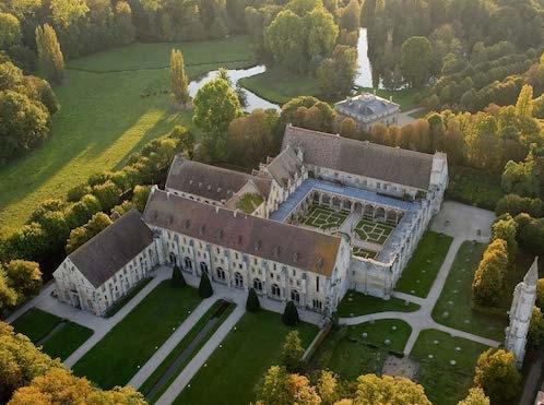 abbaye-de-royaumont.jpg