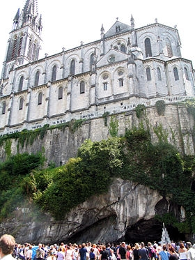 280px-Lourdes_cathedrale-grotte.jpg