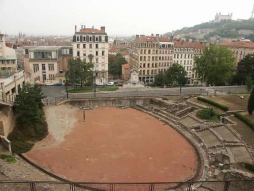 lyon amphitheatre_trois_gaules.jpg