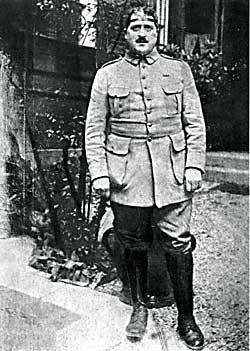 apollinaire en 1917.jpg