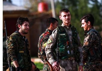 Syriens-kurdes-membres-Unites-protection-peuple-YPG-ville-Qamishli-6-decembre-2018_0_729_486.jpg