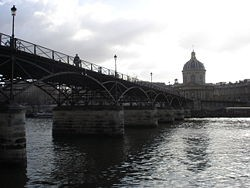 250px-Pont_des_arts_et_institut.jpg