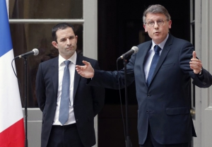 2014-04-02T160407Z_1904529453_PM1EA421DT101_RTRMADP_3_FRANCE-GOVERNMENT_0.jpg