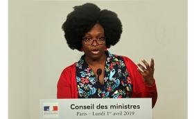 Sibeth-Ndiaye-emue-pour-ses-premiers-pas-au-gouvernement (1).jpg