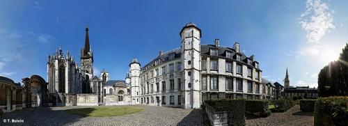 21 mars,cîteaux,action française,guitton,saint bernard,cluny,duc d'enghien,chateaubriand,vincennes,chantilly,napoléon,fouché,cadoudal,law
