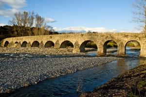 800px-Pont_romain_de_Viviers.jpg