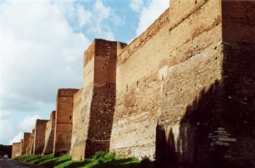 rome murailles aureliennes.jpg
