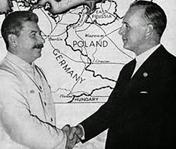 blog -pacte gernano-sovietique-Staline-Ribentrop-23 aout 1939.jpg
