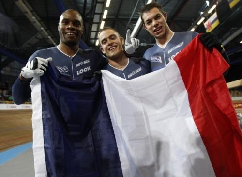 sport les-bleus-sont-champions-du-monde-de-vitesse-par-equipes.jpg