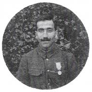 André et la médaille coloniale.jpg
