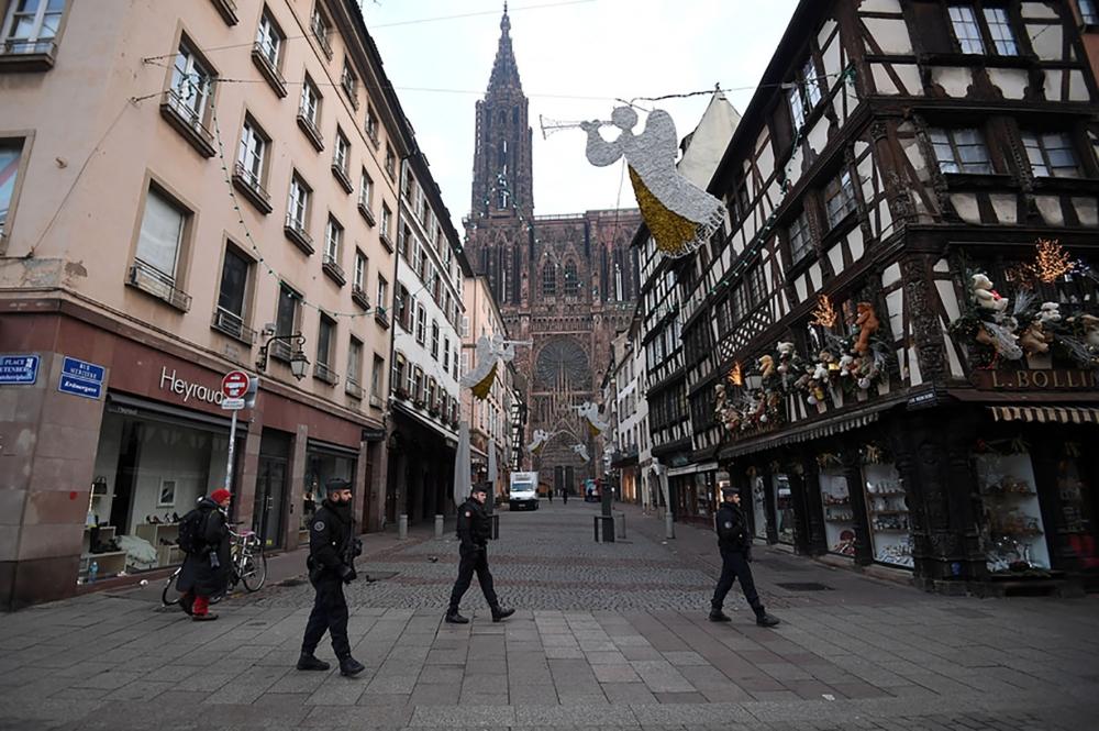7795899532_strasbourg-des-policiers-patrouillent-au-lendemain-de-l-attaque-de-mardi-11-decembre-2018.jpg