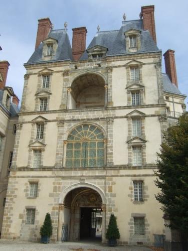 Fontainebleau_Porte_Doree.jpg