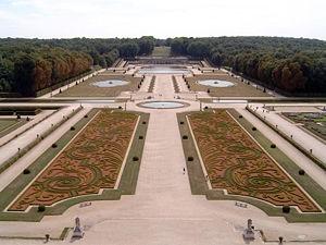 300px-Vaux-le-Vicomte_Garten.jpg