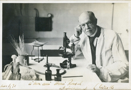Charles_Nicolle_at_microscope.jpg