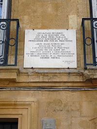 800px-Plaque_Jean_Joseph_Pierre_Pascalis_34_cours_Mirabeau_Aix-en-Provence_France.jpg