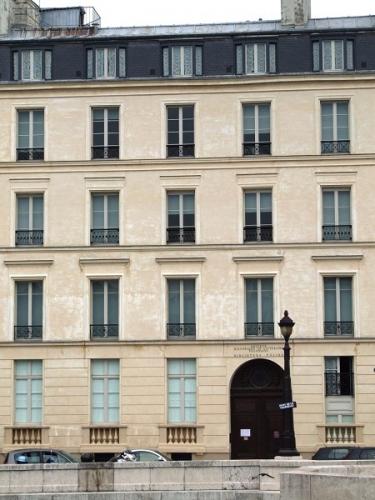 POLOGNE BIBLIOTHEQUE POLONAISE DE PARIS.jpg