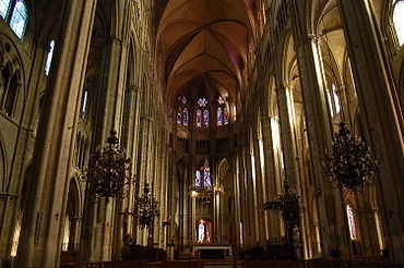 BOURGES CATHEDRALE INTERIEUR.jpg