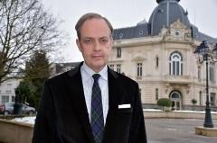 le-prince-jean-d-orleans-parle-du-comte-de-paris_4297145.jpg