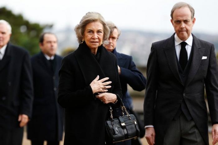 reine-Sofia-Espagne-Jean-Orleans-obseques-comte-Paris-2-fevrier-2019_2_729_486-1.jpg