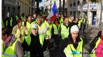 Tarbes-Manifestation-GiletsJaunes-24Novembre-Nov18.jpg