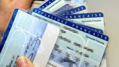 carte-d-identite-identite-nationalite-francaise-7519605arfza_1713.jpg