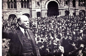 lenin-speaking-quizards-696x464.jpg