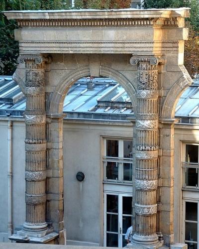 tuileries vestiges a l'exole des ponts et chausses.jpg
