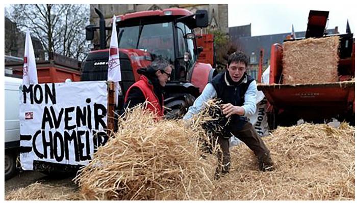manifestation-d-agriculteurs-le-24-fevrier-2016-au-mans_5542887.jpg