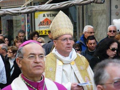 marchetto procession rome.jpg
