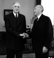 Bundesarchiv_B_145_Bild-F015892-0010,_Bonn,_Konrad_Adenauer_und_Charles_de_Gaulle.jpg