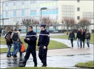 VIOLENCES SCOLAIRES 1.jpg