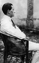MALRAUX A PNOM PEN 1923.jpg