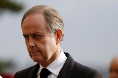 13 Le-prince-Jean-d-Orleans-est-officiellement-le-nouveau-comte-de-Paris.jpg