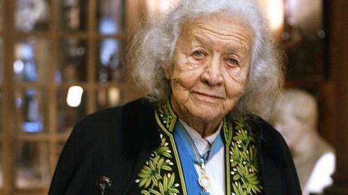 jacqueline-de-romilly-en-2003-10369195qchdf_1713.jpg