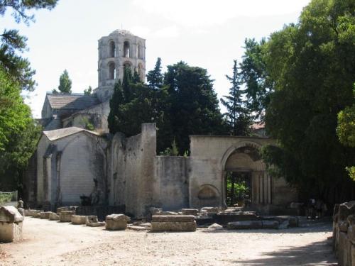 MISTRAL Arles-LesAlyscamps-SaintHonorat.jpg
